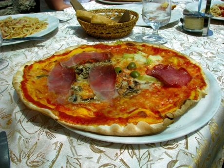 Thin crust pizza of Umbria