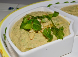 Hummus with parsley and cumin
